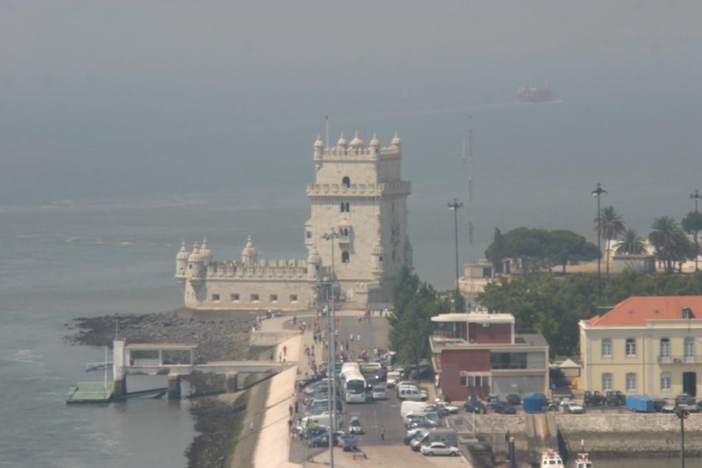 Torre de Belen desde el Monumento a los Descubridores